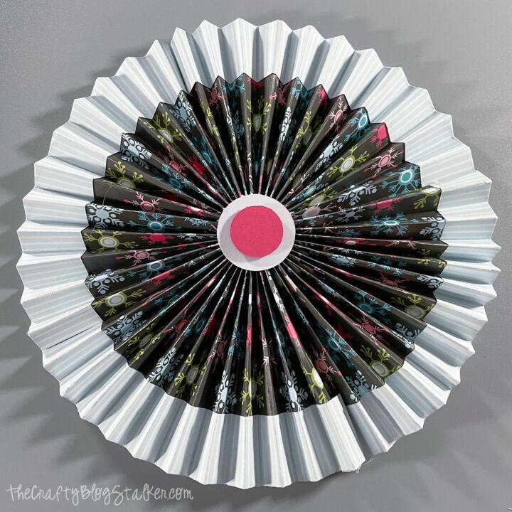 accordion paper rosettes 04