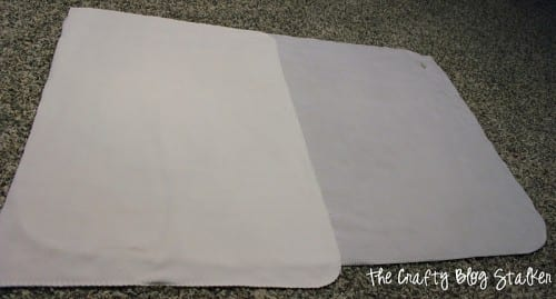 Blanket with a Foot Pocket | Easy Sew | DIIY Craft Tutorial Idea | Fleece | Stay Warm