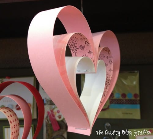 How to Make Paper Strip Hearts, a tutorial featured by top US craft blog, The Crafty Blog Stalker.