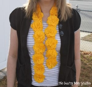 Yellow Felt Flower Scarf | Sizzix Big Shot | Easy DIY Craft Tutorial Idea | Fashion | Style