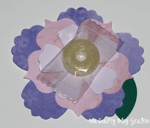 Valentine Flowers are great for the Valentine's Day classroom Party. An easy DIY craft tutorial idea for paper flower candy valentines.