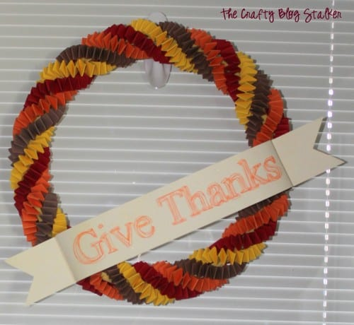 How to Make a Paper Chain Fall Wreath, a tutorial featured by top US craft blog, The Crafty Blog Stalker.