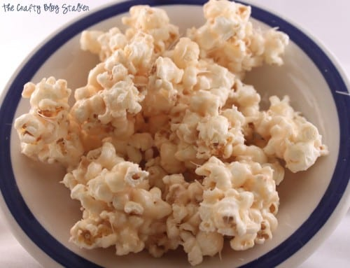 25 Tasty Popcorn Snack Recipes featured by top US craft blog, The Crafty Blog Stalker.