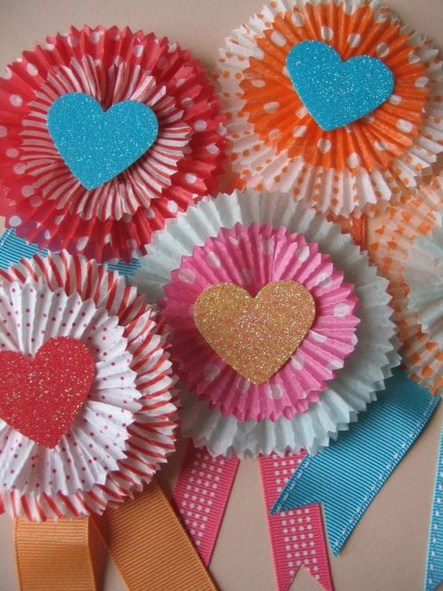 25 Easy Paper Heart Project Ideas, featured by top US craft blog, The Crafty Blog Stalker: Cupcake Liner Cards