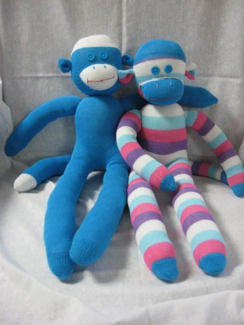 20 Sock Craft Ideas to make with Mismatched Socks featured by top US craft blog, The Crafty Blog Stalker: sock monkey tutorial