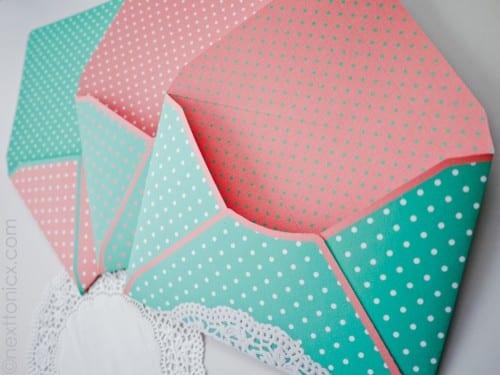 Bild von Punkten und Deckchen