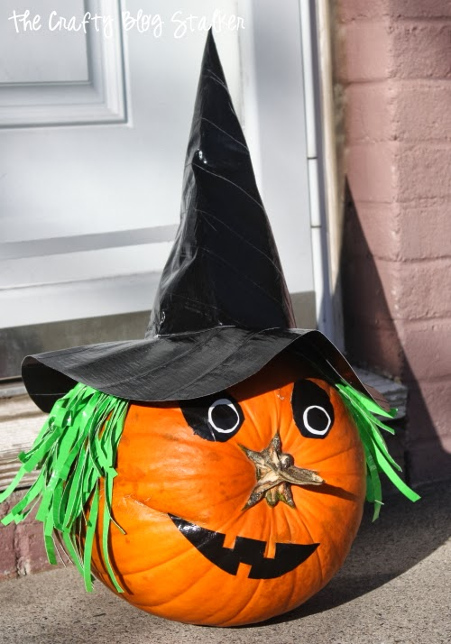 Dress up your Jack O'Lantern for Halloween as a witch pumpkin. Cut the pumpkin carving and decorate with Duck Tape.