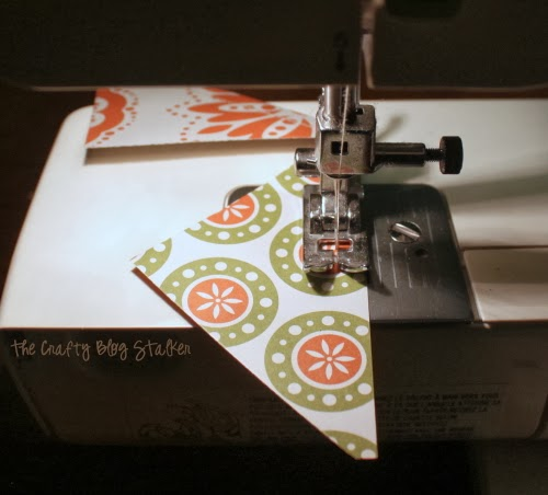 How to Make a Fall Paper Banner, a tutorial featured by top US craft blog, The Crafty Blog Stalker.