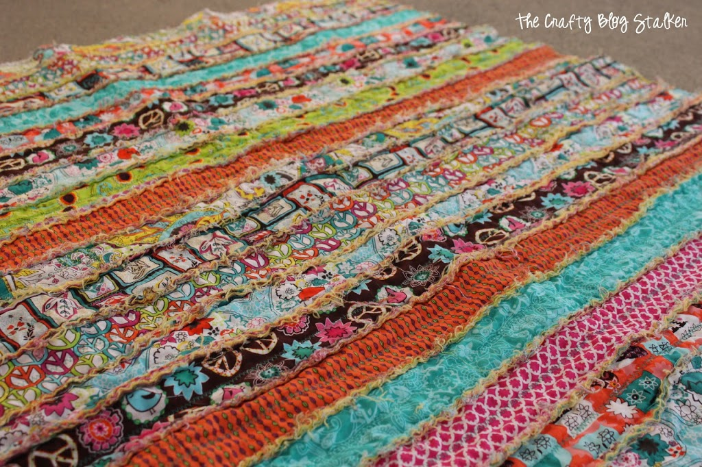How to Make a Fabric Strip Rag Quilt - The Crafty Blog Stalker : rag quilt how to - Adamdwight.com