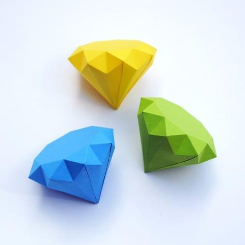 image of 3D Paper Diamonds