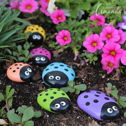 30 Fun Spring Break Crafts you can Make with Children featured by top US craft blog, The Crafty Blog Stalker: Ladybug Painted Rocks