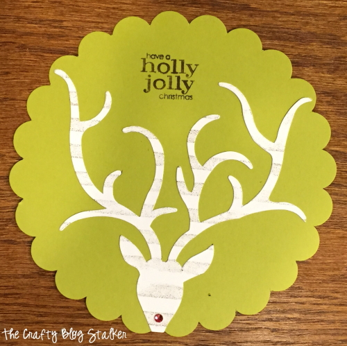 Make your own handmade Christmas cards to give to friends and family. Easy DIY paper craft ideas to get you in the holiday spirit.