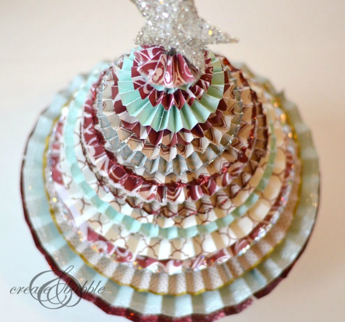 paper-medallion-christmas-tree-1_createandbabble