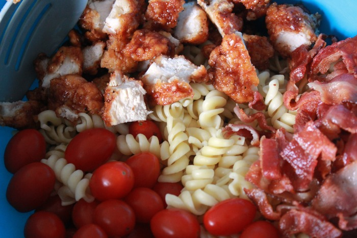 Buffalo-Chicken-Pasta-Salad-ingredients