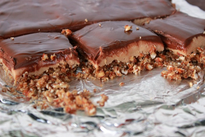 Peanut Butter Chocolate Pretzel Bars