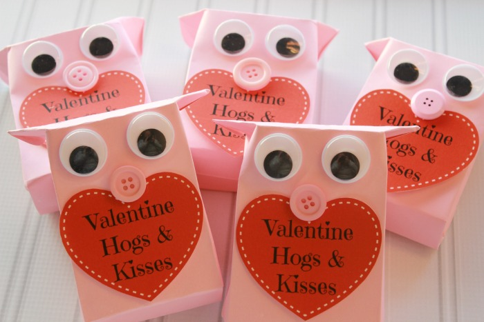 Valentine Hogs Treat Bag Tutorial