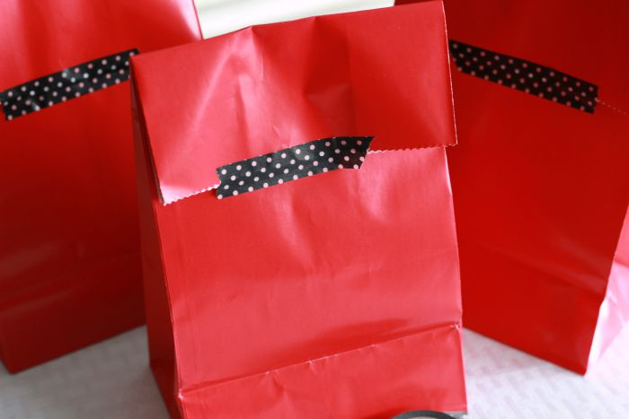 Teacher Appreciation Treat Bags Back.ggnoads