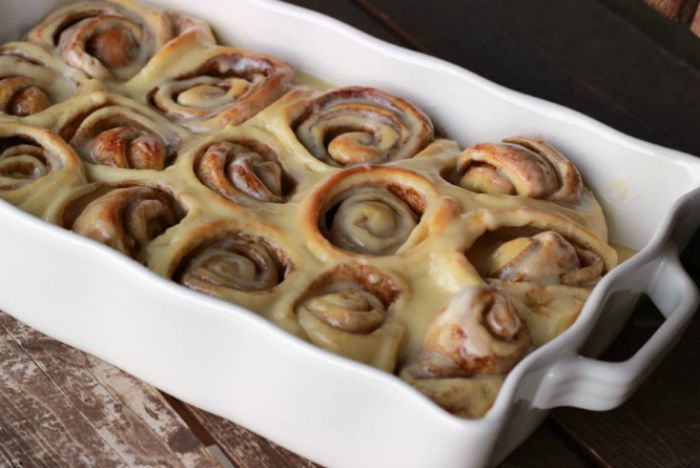 Cinnamon Rolls with Cream Cheese Frosting Recipe