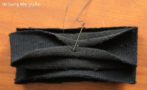 Are you always cold? Stay warm with S'Mitten Fingerless Gloves. easy DIY craft tutorial idea for wrist sleeves that keep your hands and arms nice and warm.