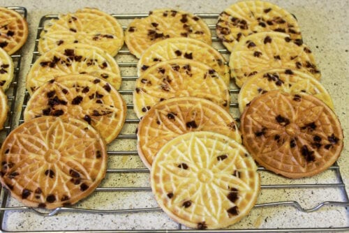 cookies set aside to cool on a baking rack