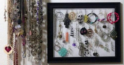 How to Make an Earring Holder Frame, a tutorial featured by top US craft blog, The Crafty Blog Stalker.
