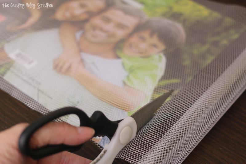 cutting aluminum mesh with scissors