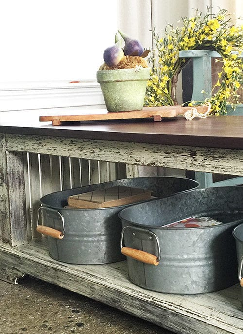 Easy farmhouse coffee table makeover with homemade chalk paint