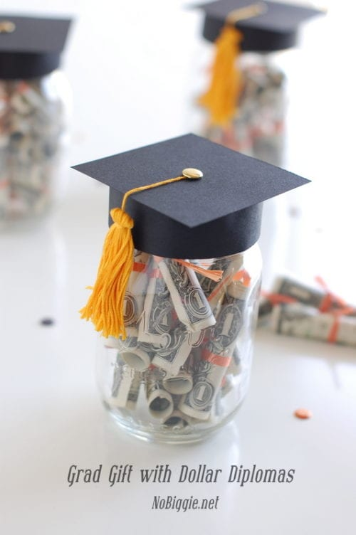 20 Ideas on How to Give Cash for Graduation Gift