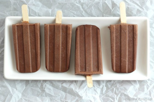 Enjoy delicious homemade popsicles on a hot day and enjoy your summer. All popsicle recipes are easy to make and fun to eat. A fun frozen treat!