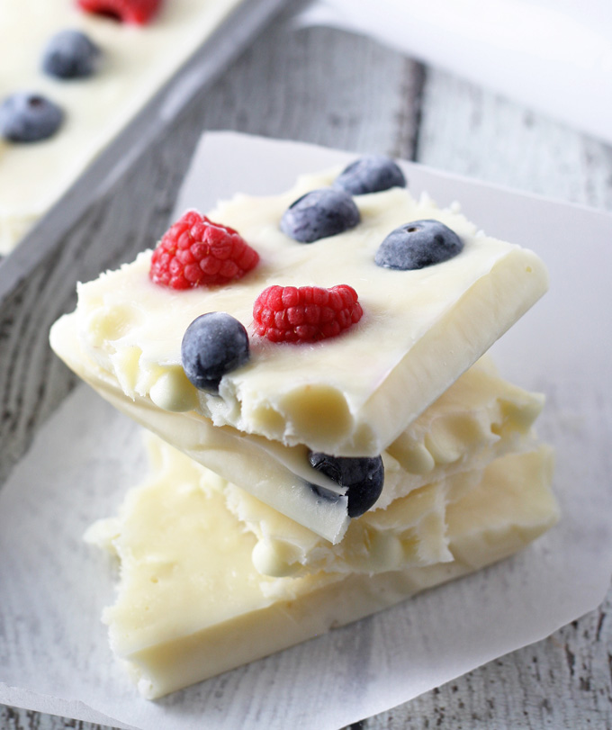 red-white-blue-frozen-yogurt-bark-3