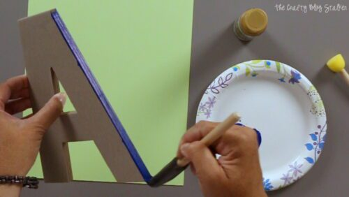 painting the edge of a chipboard letter