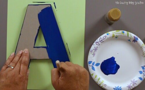 paint the front of a chipboard layer blue