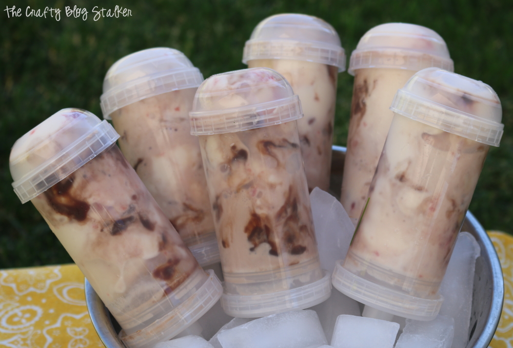 Delicious Banana Split Sundae Push Pops help beat the heat this summer. This recipe is easy to follow and sure to please. A great dessert or snack recipe.