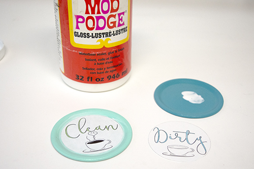 How to Make an Easy Clean or Dirty Dishwasher Sign, a tutorial featured by top US craft blog, The Crafty Blog Stalker.
