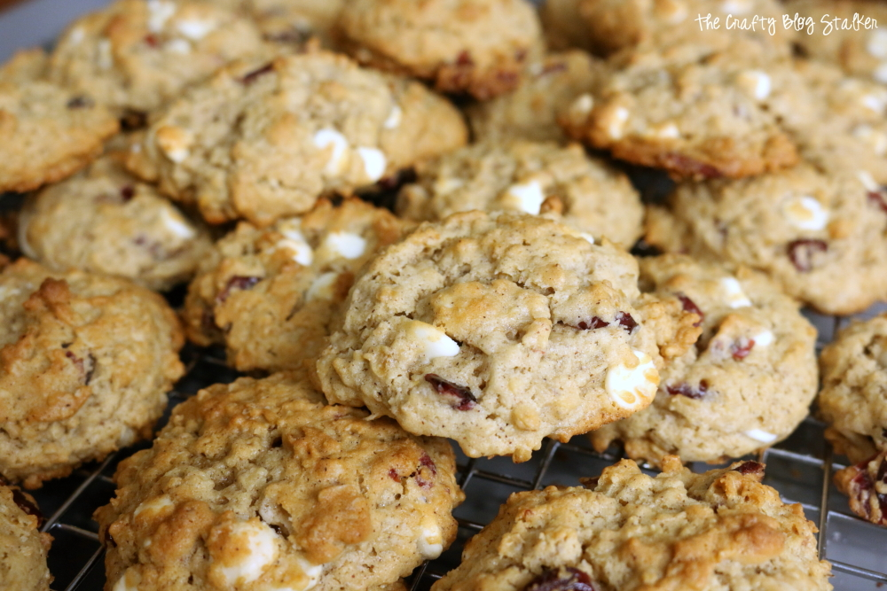 White Chocolate Cranberry Oatmeal Cookie Recipe | Easy Dessert Recipes | Cookies | Homemade