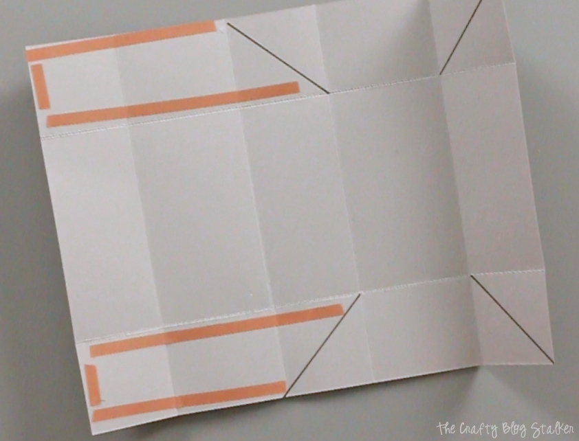 Make a handmade gift box using one sheet of cardstock, and that includes the lid! A fun DIY craft tutorial that aids in gift giving.