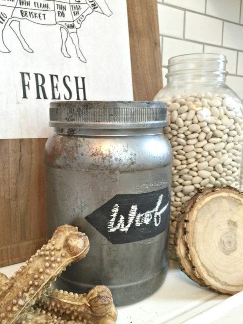 Looking for a solution for all those empty plastic containers? Upcycle plastic jars into stylish storage containers! A simple DIY craft tutorial idea.