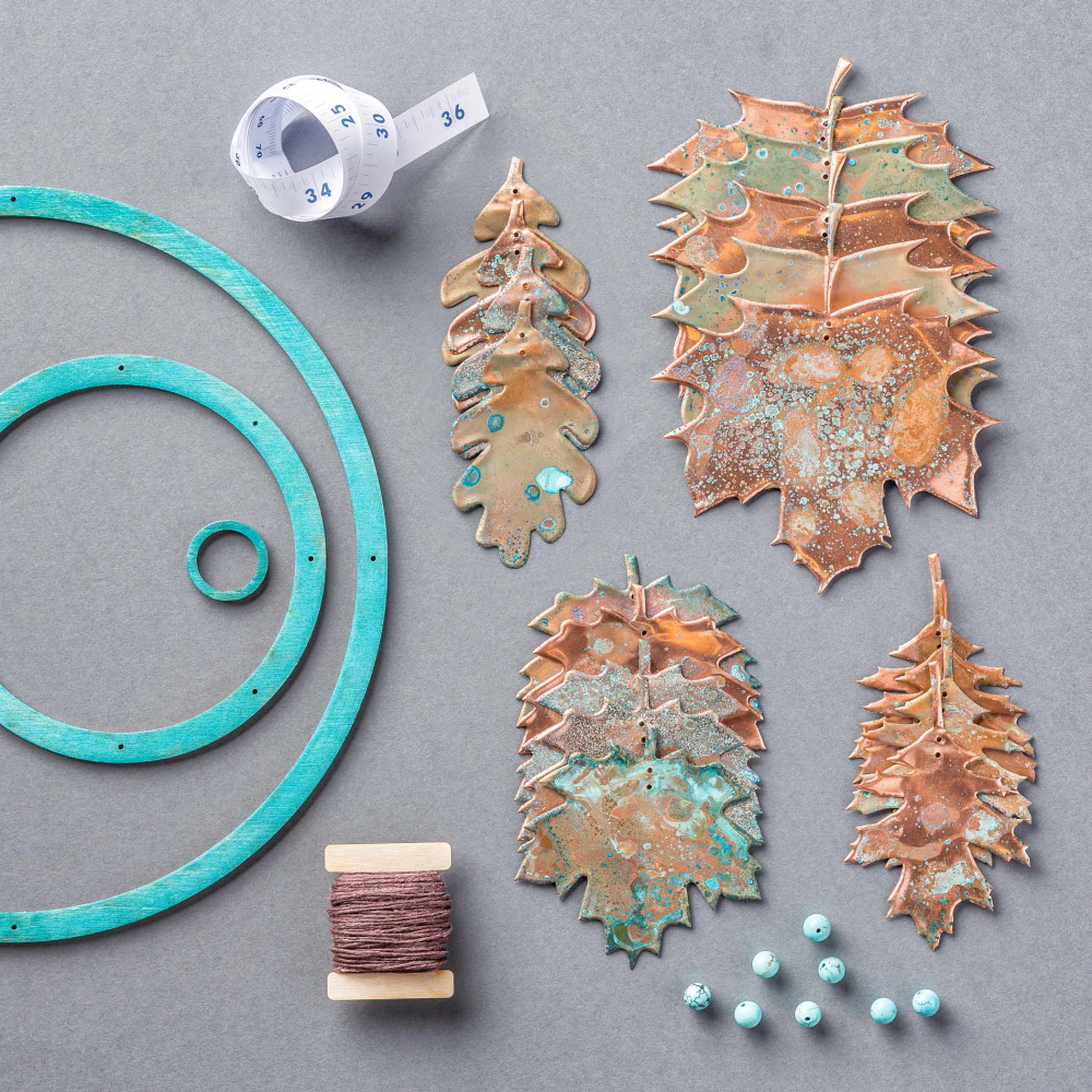 How to make a handmade copper leaf mobile perfect for Fall. The craft kit includes all the supplies you need. A simple DIY craft tutorial idea.