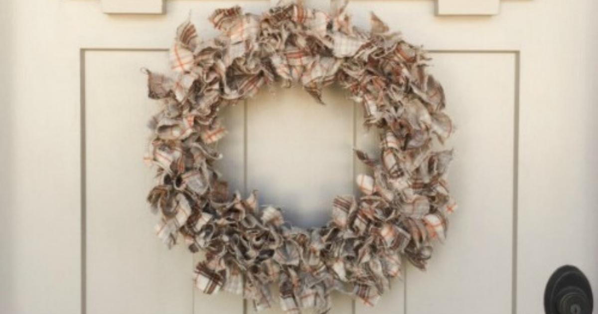 Diy Fabric Wreath For Fall The Crafty Blog Stalker