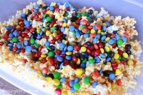 adding MMs to the popcorn mixture