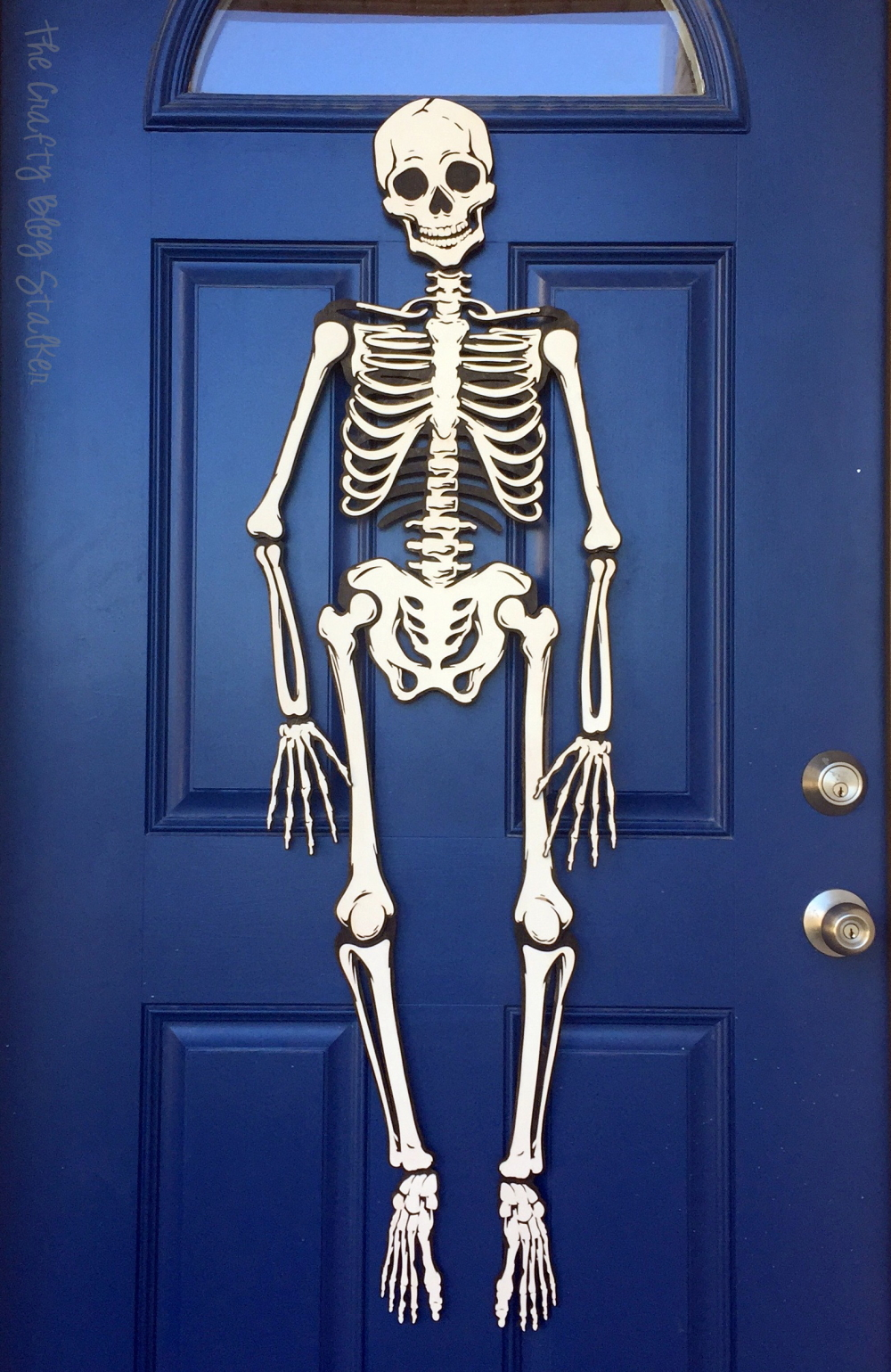 How to Make a Skeleton Halloween Decoration for the Front ...