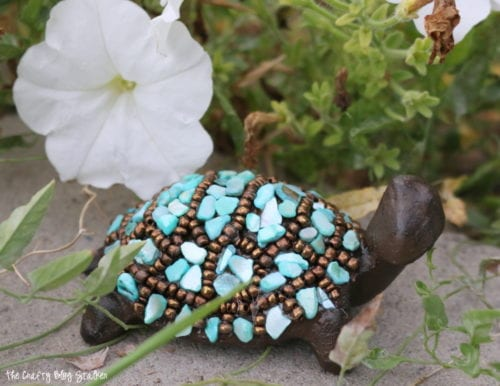 Learn how to make turtle decor with the Little Slowpoke craft kit. A simple DIY craft tutorial idea. Turtle makes a great paper weight or cute garden decor.