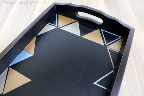 How to make a DIY patterned serving tray. An easy DIY craft tutorial idea that will makeover a boring tray and turn it into beautiful home decor.