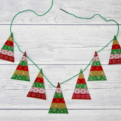 Simple Christmas Trees Garland