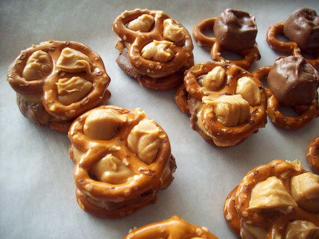 Snickers Pretzel Bites