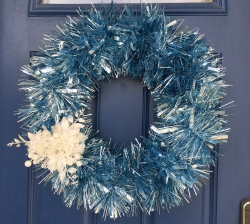 How to Make an Easy Garland Winter Wreath, a tutorial featured by top US craft blog, The Crafty Blog Stalker.