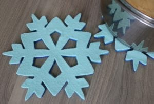 How to Make a Felt Ombre Snowflake Trivet
