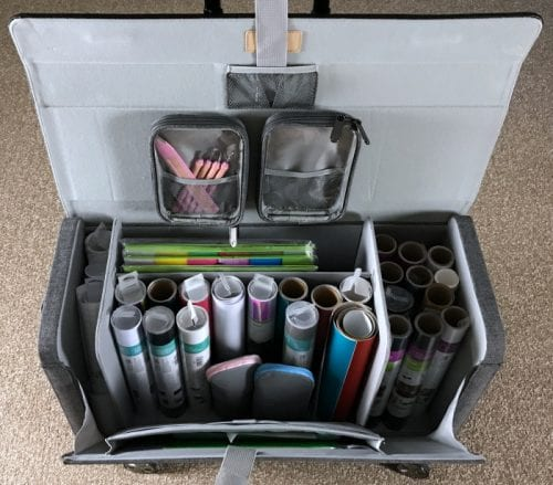 Cricut Explore | Cricut Bags and Totes | Organize Craft Supplies | Organizing | On the Go | #ad