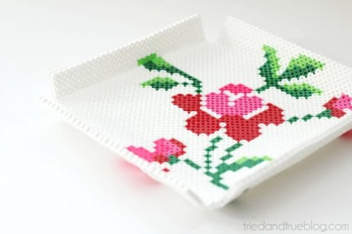 20 Fun Free Patterns for Perler Bead Crafts featured by top US craft blog, The Crafty Blog Stalker: Floral Perler Bead Tray