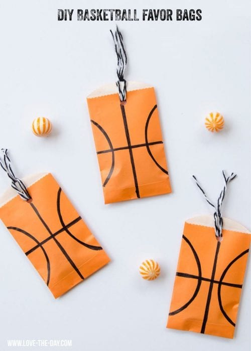 20 March Madness Party Ideas: Food, Games, and Decorations, featured by top US craft blog, The Crafty Blog Stalker: Basketball Party Favors